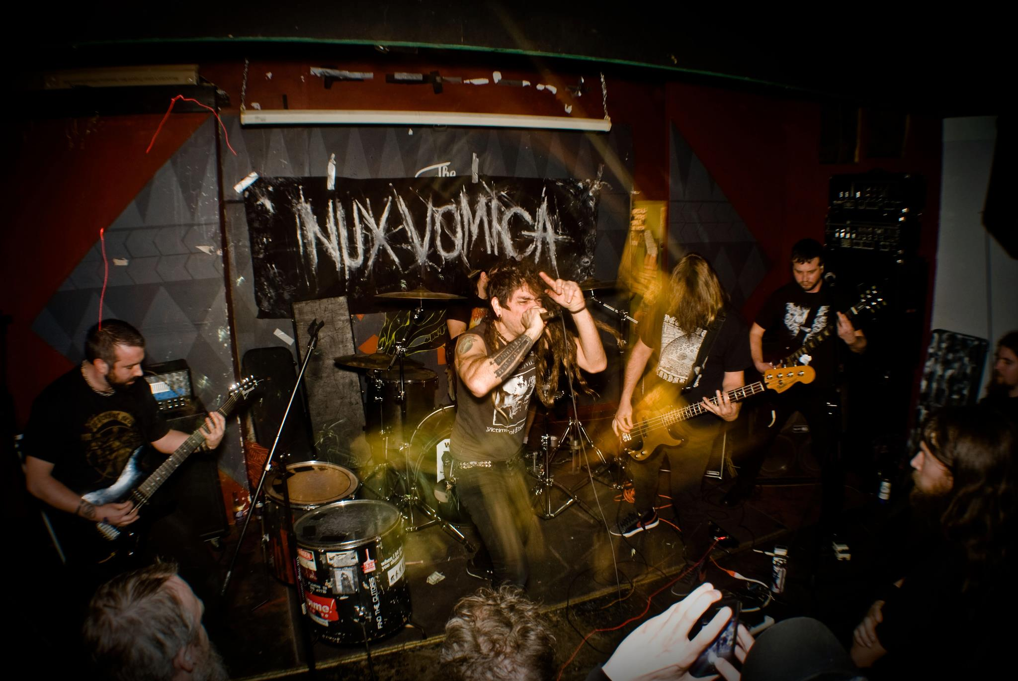 NUX VOMICA image groupe band picture
