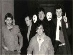 COMEDY OF ERRORS image groupe band picture