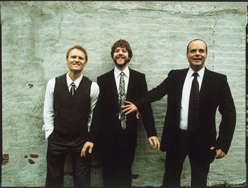 MEDESKI MARTIN & WOOD image groupe band picture