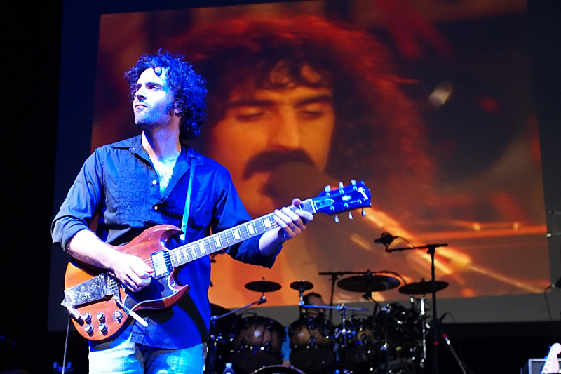 DWEEZIL ZAPPA image groupe band picture